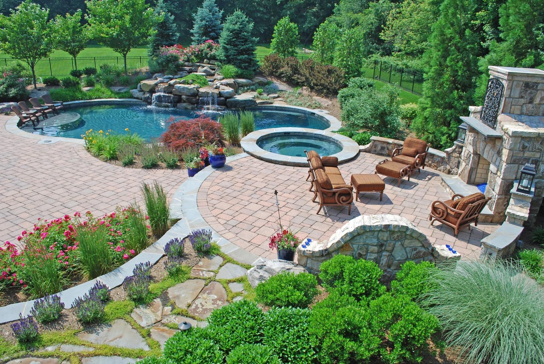 با محوطه سازی مناسب از گرمای تابستان بکاهید