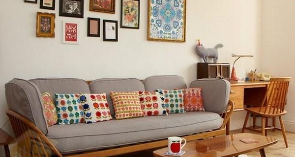 اتاق نشیمن با تابلو