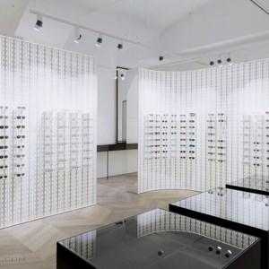 دکوراسیون داخلی فروشگاه عینک سازی