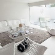 طراحی دکوراسیون منزل با رنگ سفید