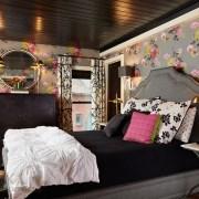 طراحی خانه با کاغذ دیواری