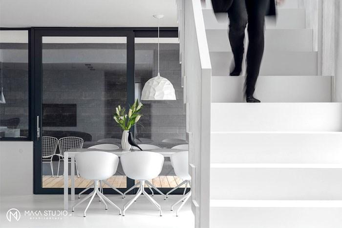 دکوراسیون داخلی منزل با رنگ سفید مشکی