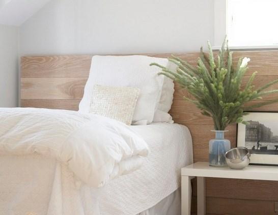 دکوراسیون اتاق خواب با چوب و رنگ سفید